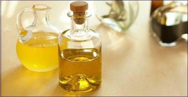 Используйте немного растительного масла для борьбы с небольшими царапинами