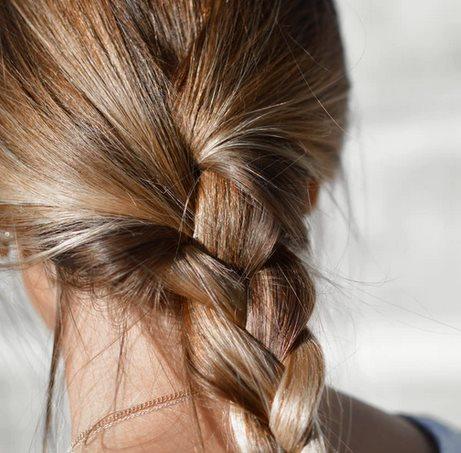 Красивая русая коса