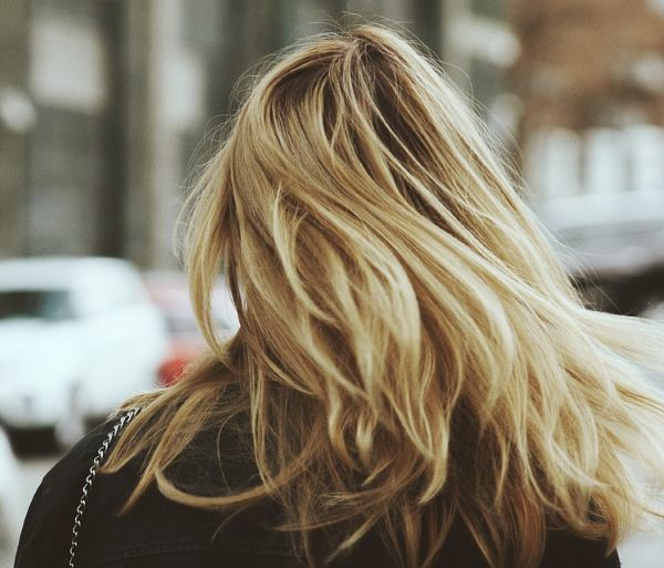 Фото девушки русые волосы на аву 9