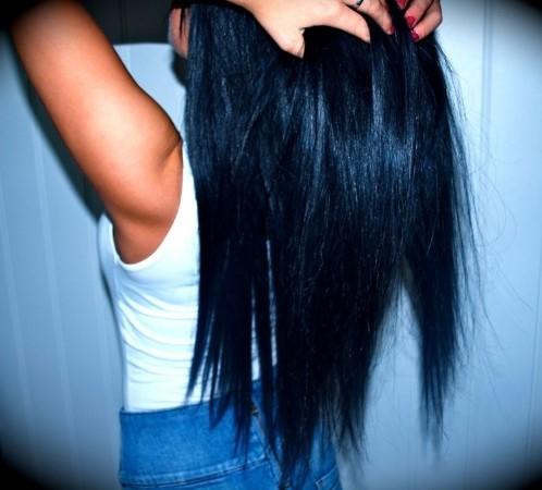 Девушка с длинными волосами на аву 29