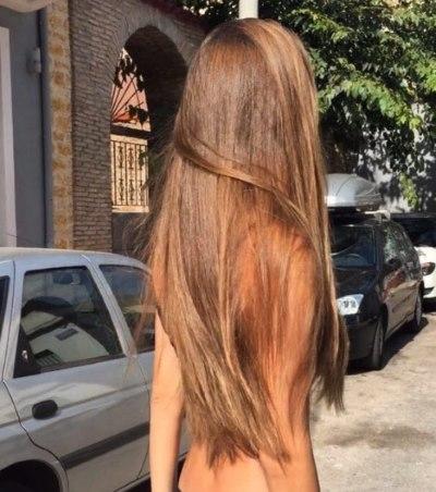 Девушка с длинными волосами на аву 7
