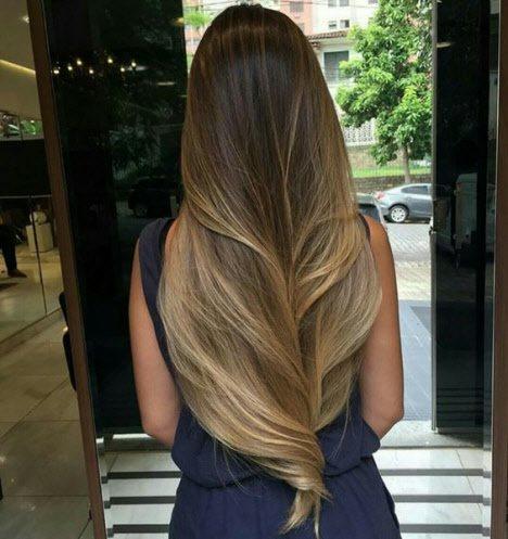 Девушка с длинными волосами на аву 8