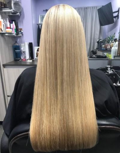 Девушка с длинными волосами на аву 13