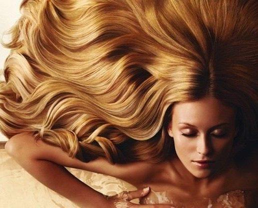Девушка с длинными волосами на аву 20