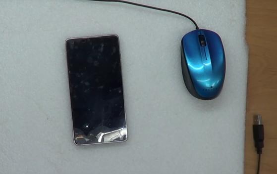USB-мышь и телефон