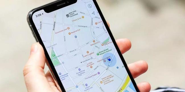 Карта на экране смартфона