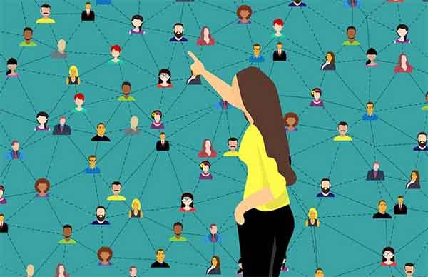 Поиск людей по фамилии в соцсетях