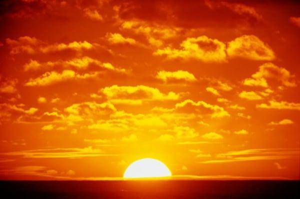 Понаблюдайте, где встаёт, а где заходит солнце